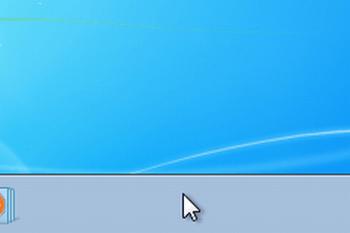 Win7のタスクバーにマウスのポインターをのせた画像